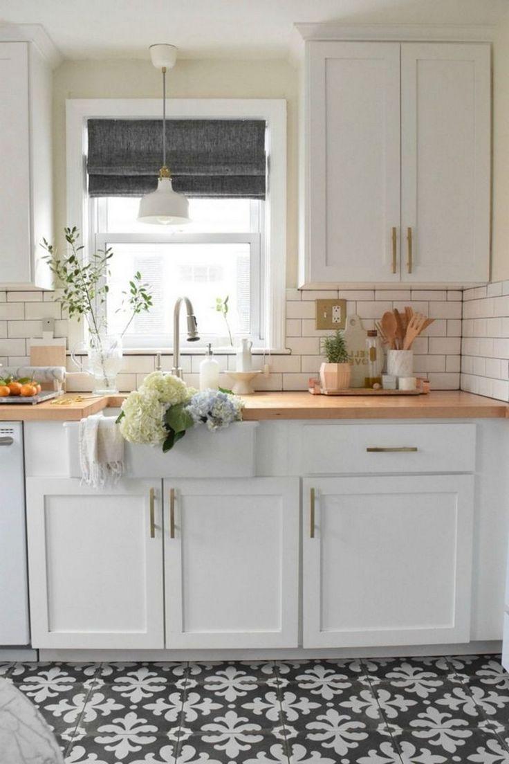 40 Elegant Black And White Floor Tile For Your Kitchen Design White Tile Kitchen Floor White Kitchen Tiles Kitchen Flooring