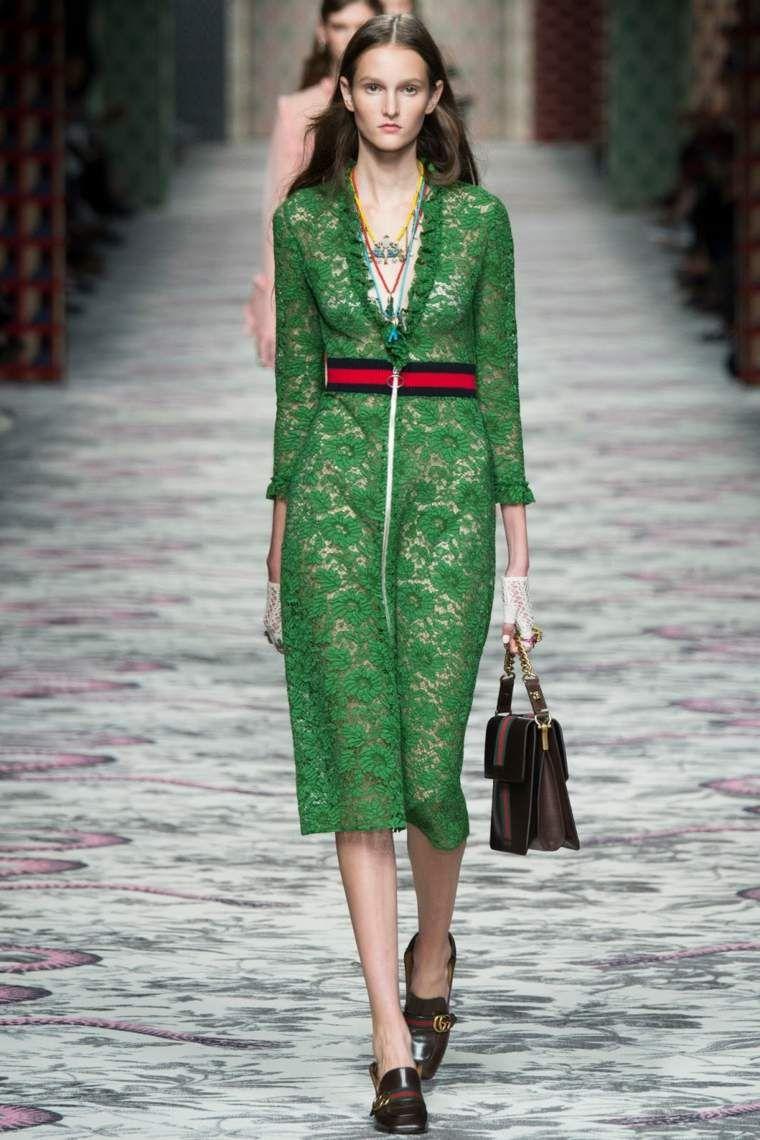 e4fb0d16a758 robe en dentelle verte par Gucci Printemps Été 2016, Haute Couture 2015, Mode  2016
