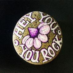 Easy Paint Rock - Hey friends! Looking for easy rock painting ideas? Perhaps you're simply beginning, you're daunted by even more intricate styles, try this, rock painting ideas, very inspiration for DIY or Decor - Rock Painting Ideas #paintedrock #paintedrocksideas #stoneart #paintedstone