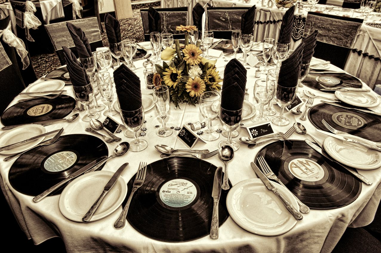 Flowerswinter Wonderland Wedding Theme Old Vinyl Records As Place Settings