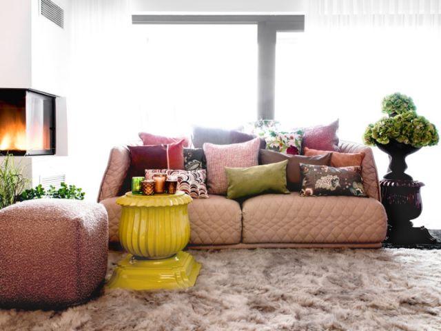 aménager son salon : un canapé coloré pour un décor stylé | salons