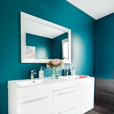 Couleur «eau profonde» pour la salle de bain - Salle de bain