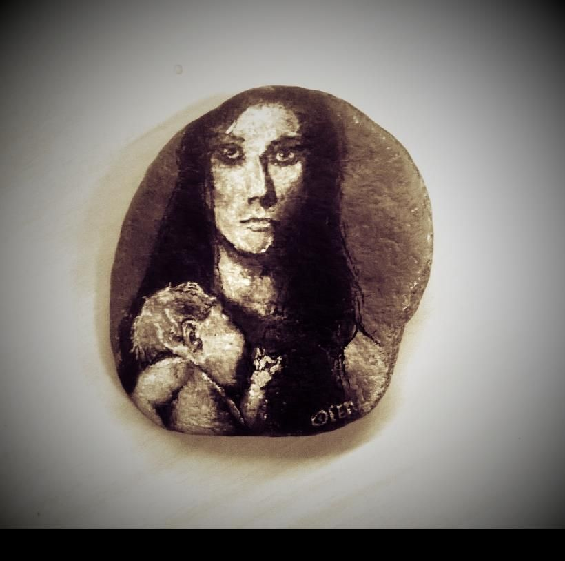 Really small, 5 cm (!) high rock painting of madonna with her child.