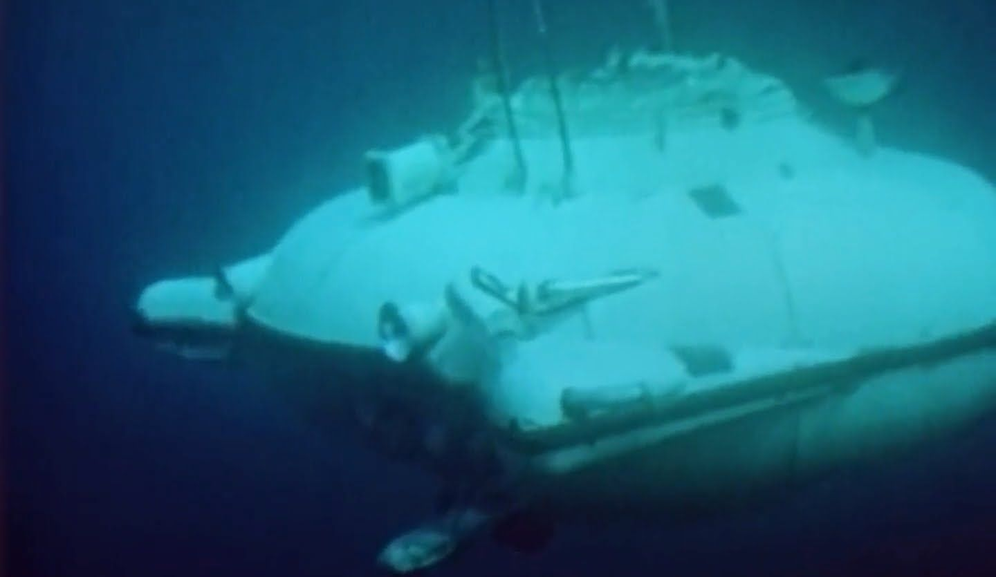 Mini Submarine Submersibles Footprints In The Sea 1965 Us Navy Soucoupe Deep Jeep Moray Curv Submarine Submersible Jeep