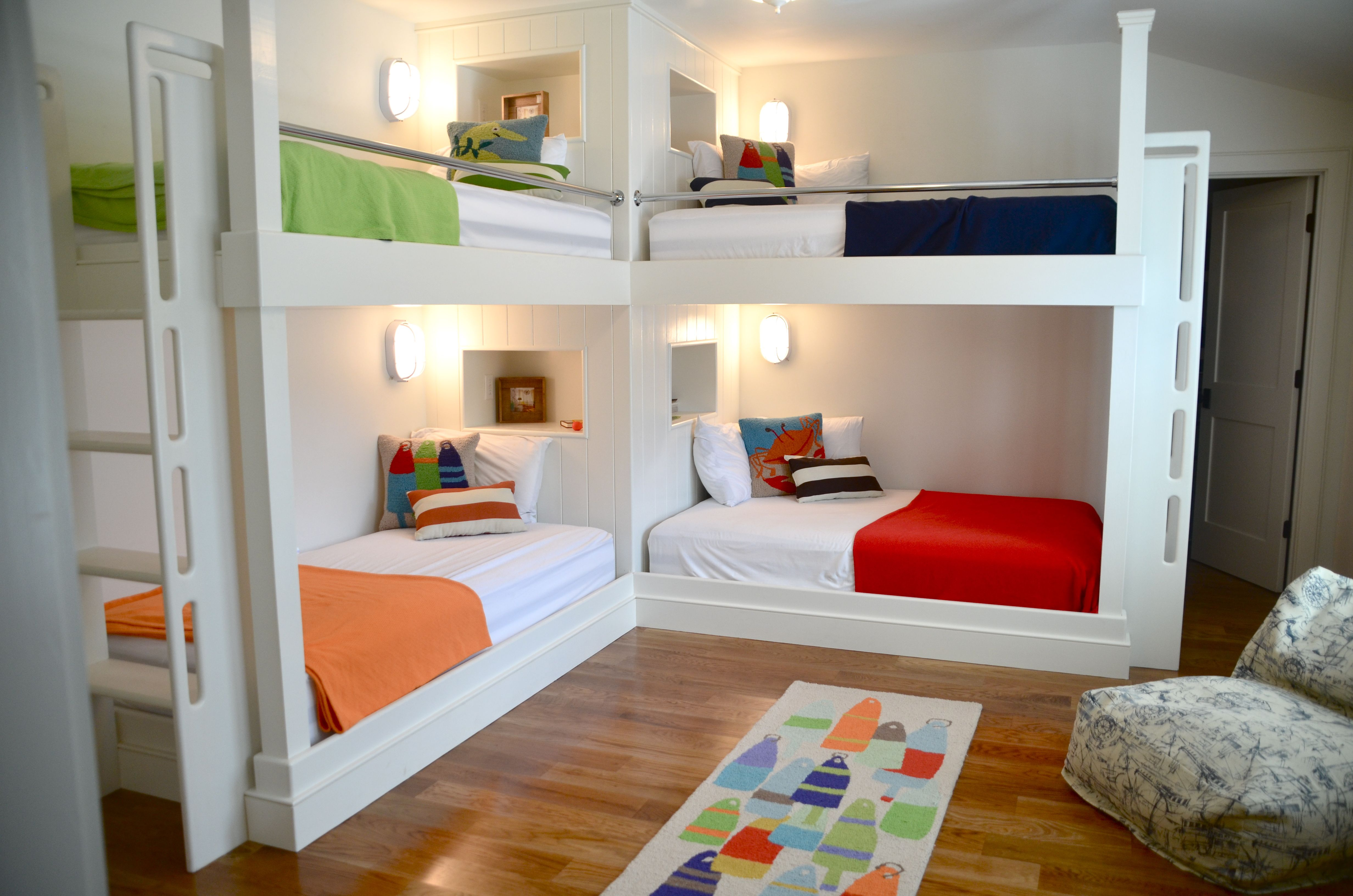 colorful bunk room, L shaped bunks, full over full and