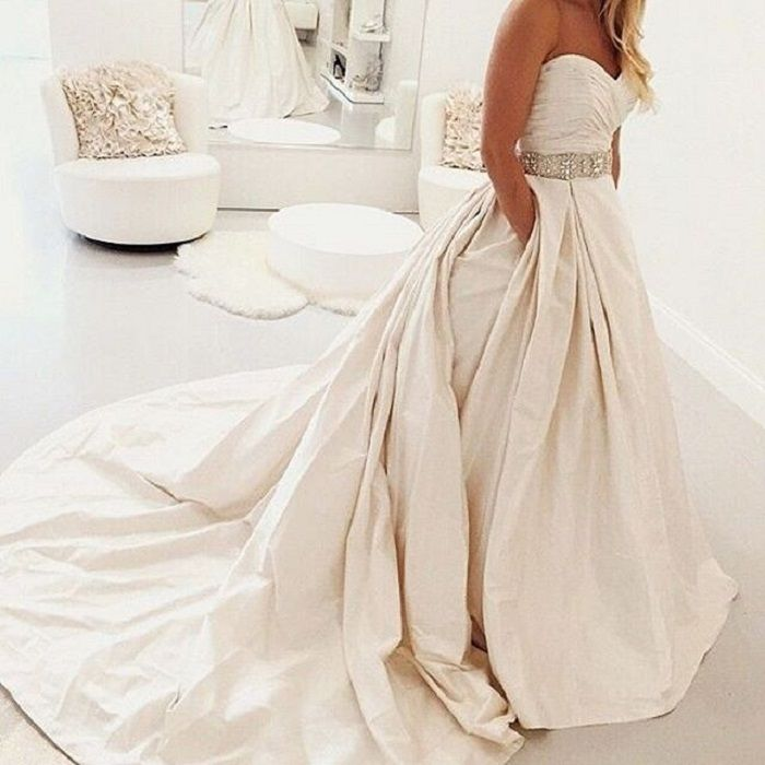 Dupioni silk Wedding Dress with Pocket | fabmood.com #dupioni #weddingdress #weddingdresses #weddinggown #strapless #bridalgown