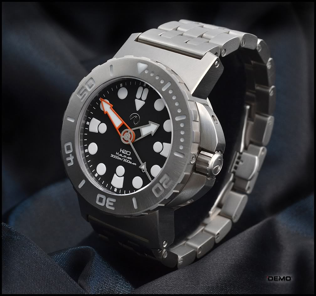 H2O Kalmar Titanium 3000m Photos & Review Watches