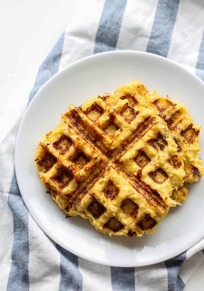 Spaghetti Squash Waffle Grilled Cheese | Destination Delish #spagettisquashrecipes