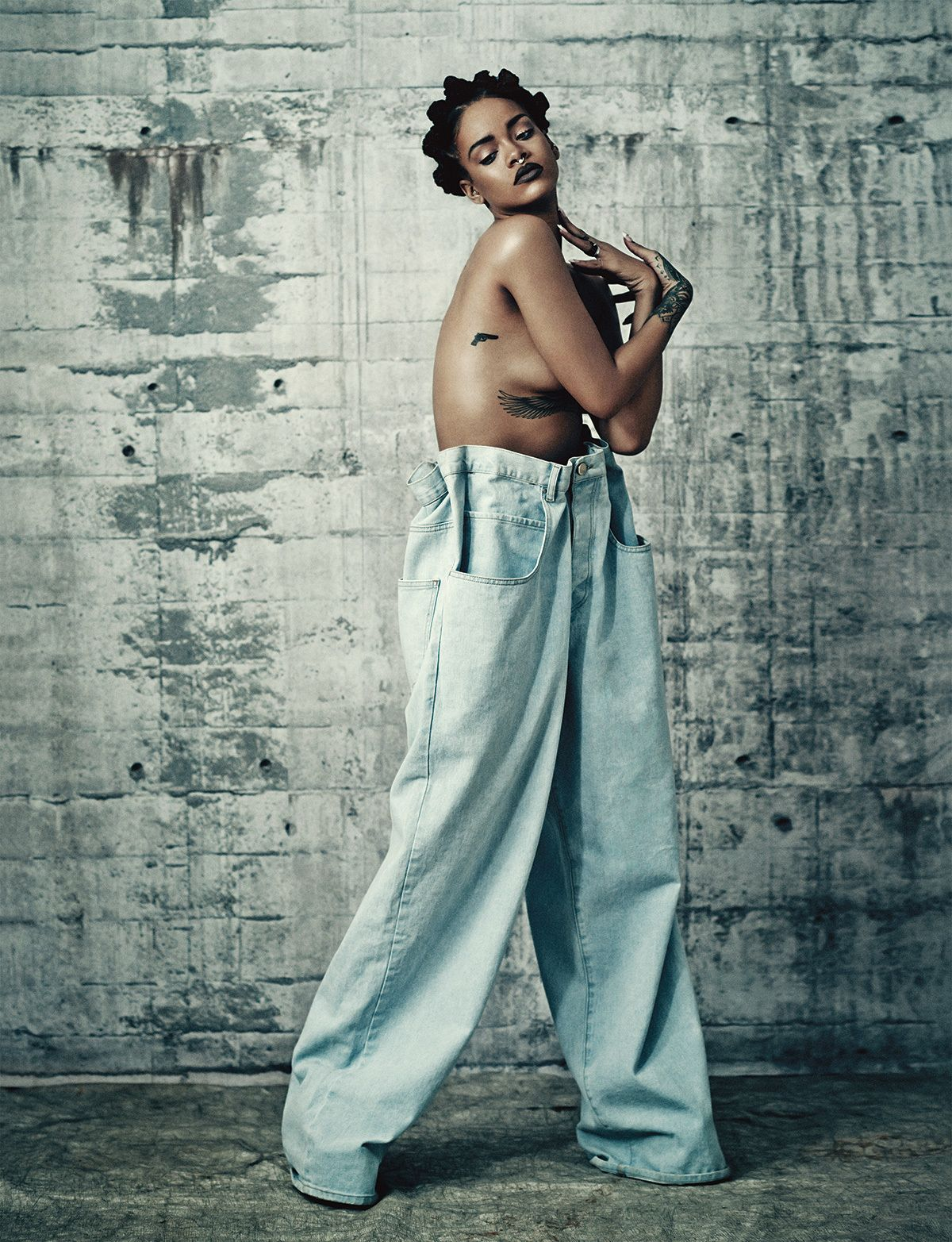 Exclusive Rihannas Full Cover Shoot For The Music Issue