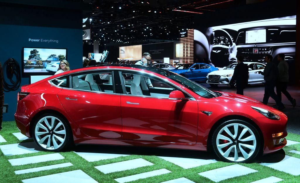Tesla Inc Has Launched A New And Cheaper Model 3 In Canada But With A Software Limited Range Of Only 150 Km To Qualify F Tesla Car Navigation System Tesla Car