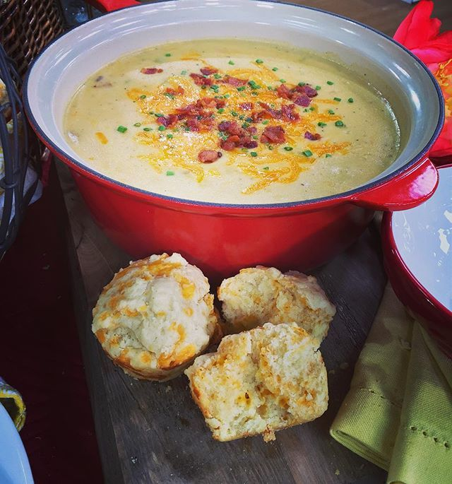 Cheesy potato soup and cheesy biscuits from my new cookbook! I'm not sure if I've ever hinted at this before, but I love cheese. I know, I know---I'm just full of surprises!