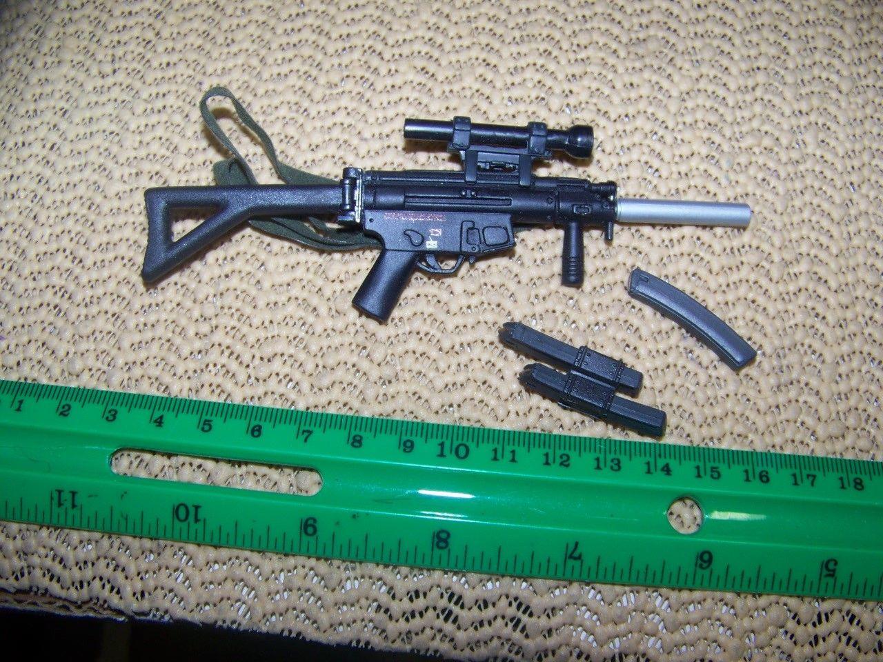 1//6th Scale MP5K w//Scope
