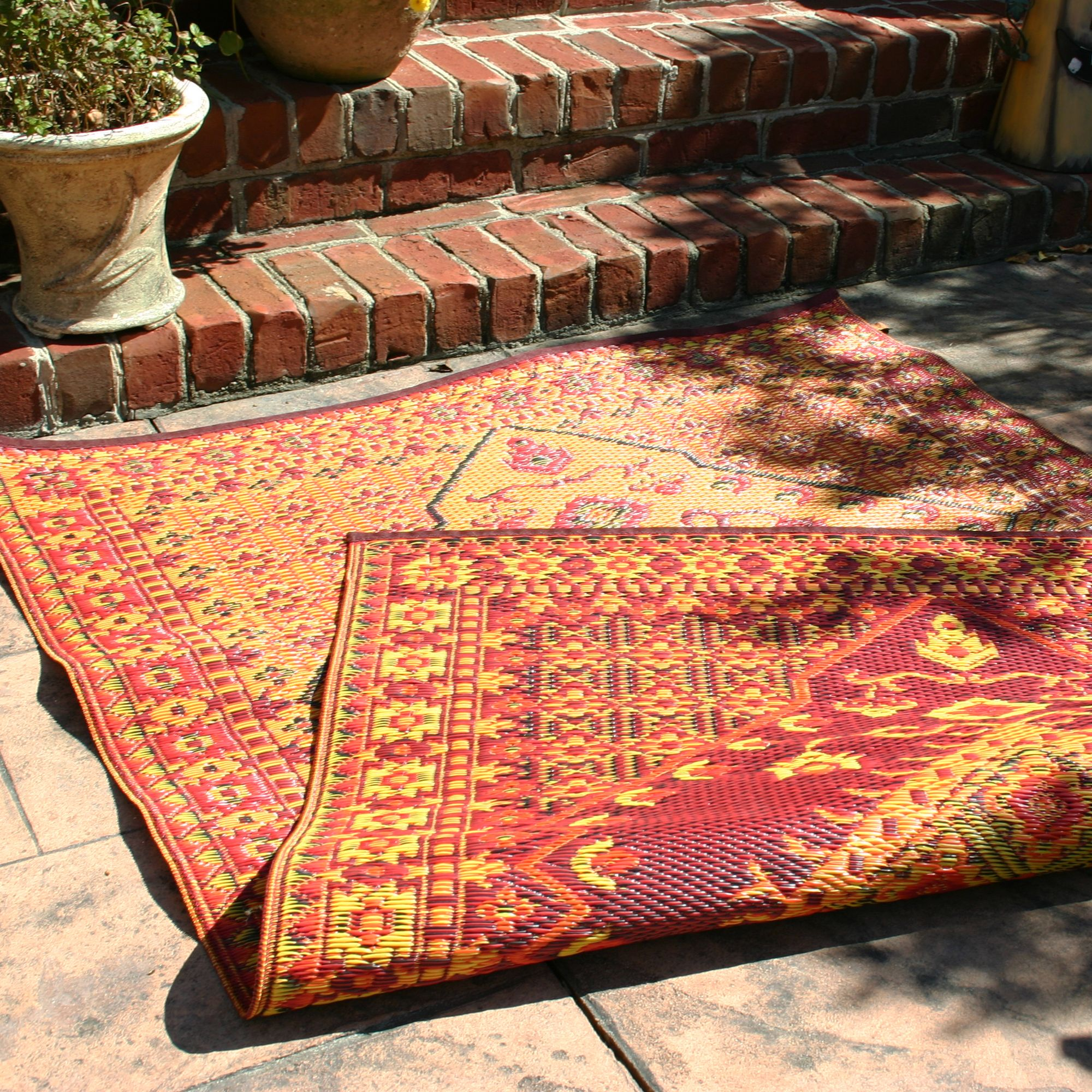 Plastic Outdoor Rug Mat: Mad Mats Outdoor Rug. Made From Recycled Plastic
