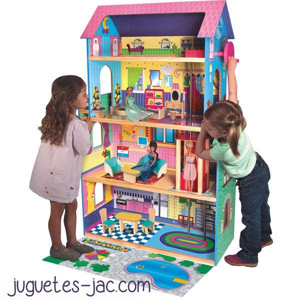 Casa Grande Con Muebles De Madera Para Jugar Con Tus Muñecas Tamaño Barbie Dispone De Ascensor Para Subirlas Al Piso Super Barbie House Doll House Kids Rugs