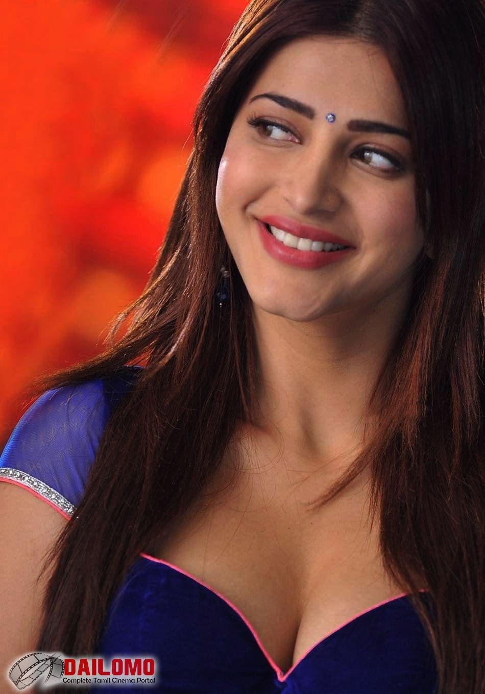 Actress Shruti Haasan to star in Mahesh Babus next 2