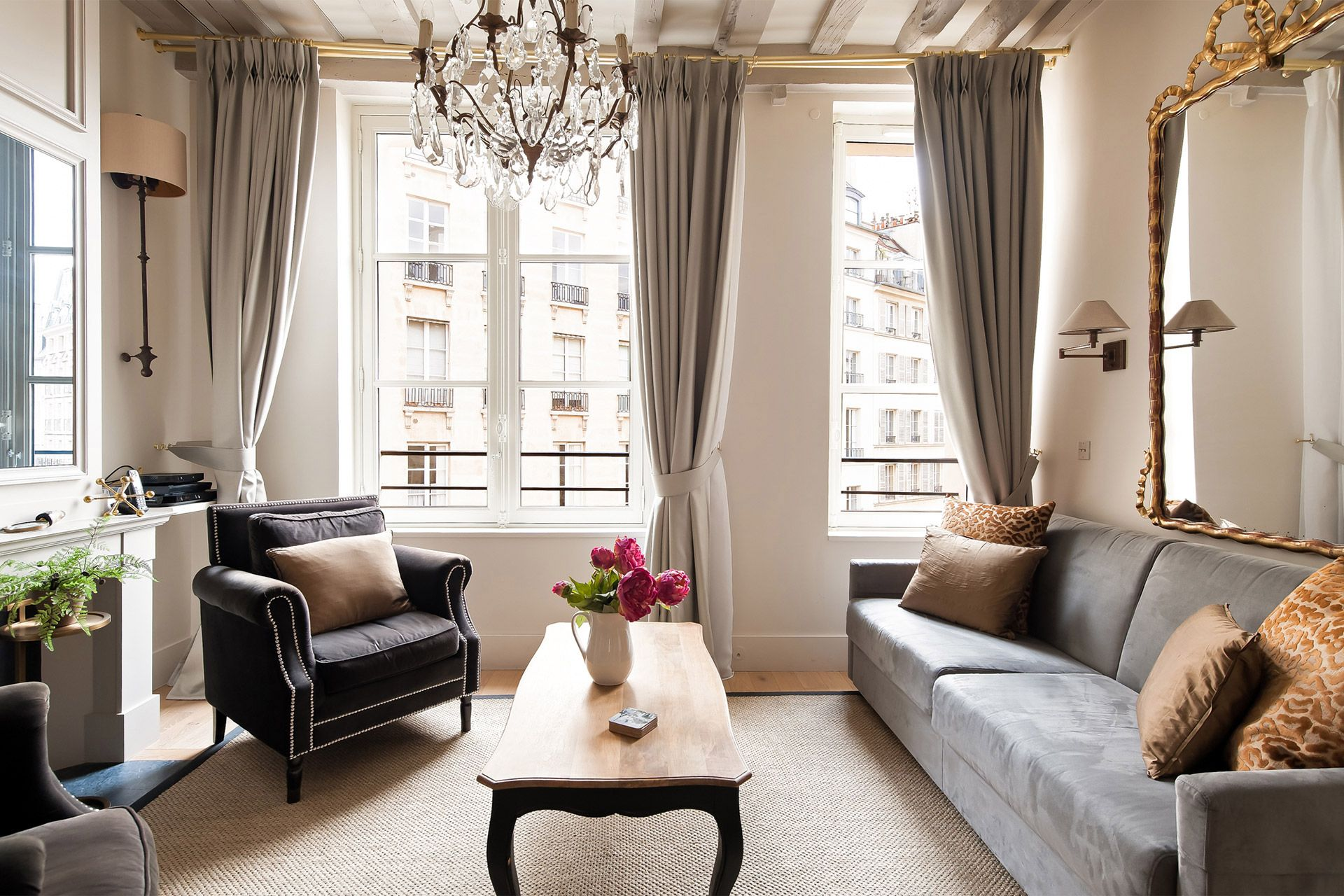 Place Dauphine One Bedroom Apartment Rental Paris Paris Living Room Decor Parisian Living Room One Bedroom Apartment
