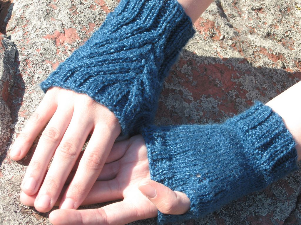 Ravelry ailbhe pattern by caitlin christine hands and feet ravelry ailbhe pattern by caitlin christine easy knittingknitting bankloansurffo Image collections