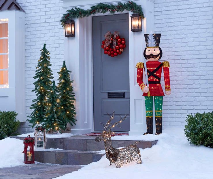 Biglots Deals On Christmas Decorations 2020 Winter Wonder Lane Light Up Nutcracker, (5')   Big Lots in 2020