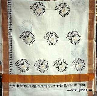 N artistic fusion handloom kerala kasavu saree with tribal n artistic fusion handloom kerala kasavu saree with tribal motifs hand painted in maharashtra thecheapjerseys Gallery