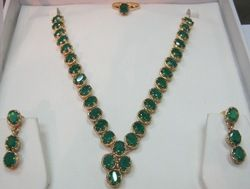 Green%20Onyx%20Necklace%20Sets