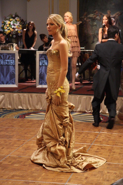 0e38d2def7 Serena van der Woodsen s 72 Best Looks Gossip Girl Prom
