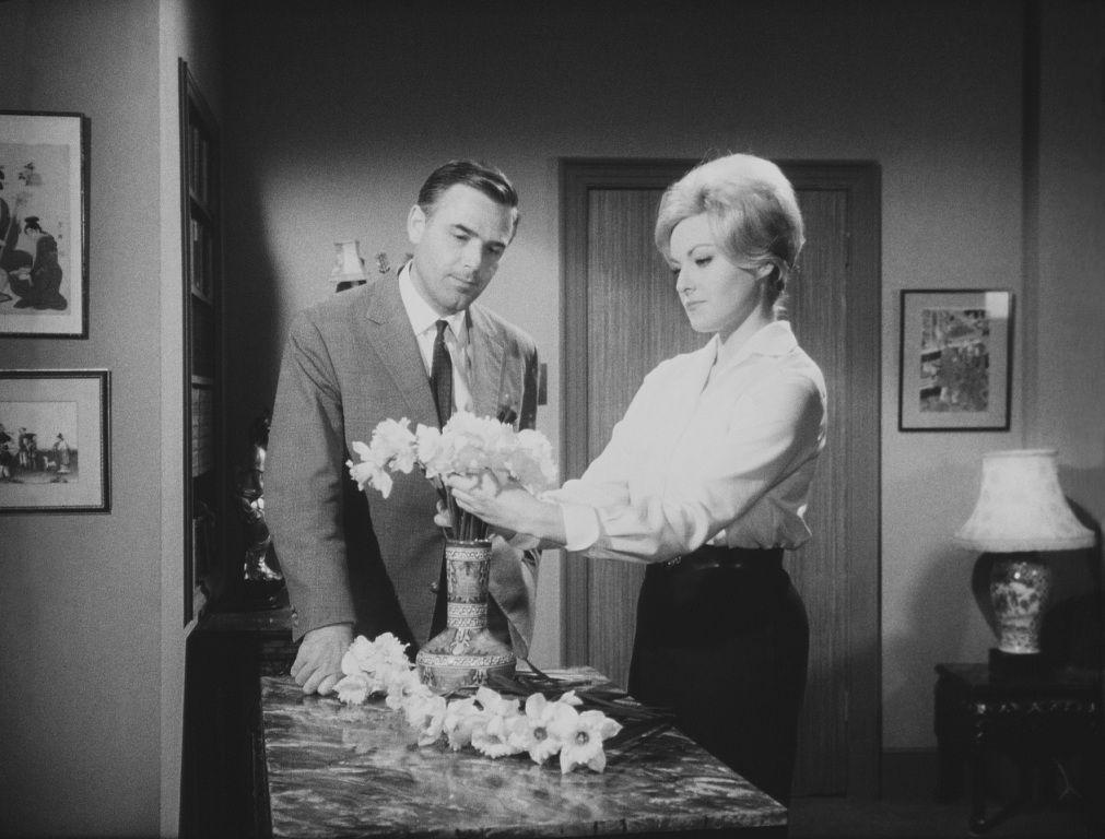 Joachim Fuchsberger Sabina Sesselmann In Das Geheimnis Der Gelben Narzissen D Gb 1961 Gelbe Narzisse Fuchs Narzissen