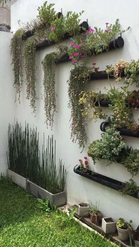 55 Beautiful Vertical Garden For Wall Decor Ideas Jardins Pequenos Jardins Verticais Interiores Jardim Murado