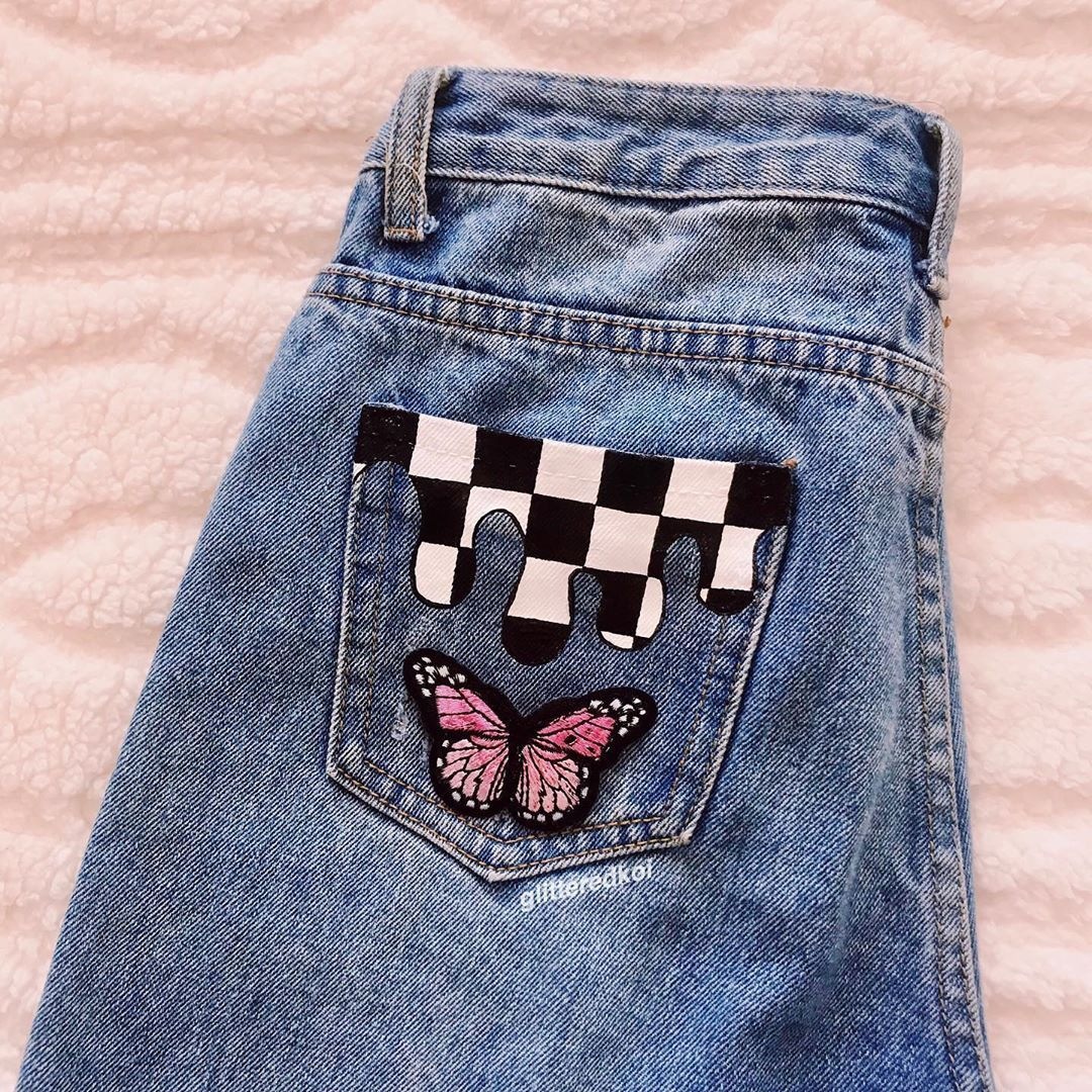 "alison;aly on Instagram: ""hey guys! here's another pocket painting! I'm workin on another pair of jeans that I think y'all will really like! REMEMBER: my depop is @…"" #paintedclothes #vscogirloutfits"