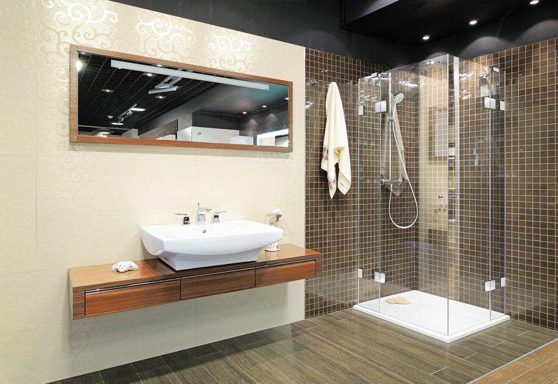 Badezimmer Behindertengerecht ~ Flache duschtasse mit toller fliesenkombination bad inspiration
