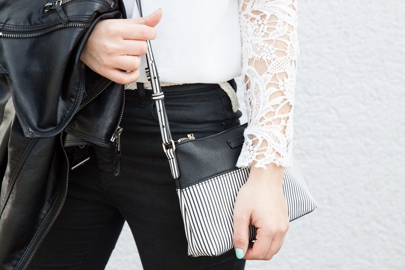 Outfit, black and white, leather jacket, lace, Spitze, Blogger, Fashion, Style, Outfitinspiration, blackperfection, Stripes, Mango, Handtasche, bag, Sheinside, Bluse, Bluse, Jeans, Zara, High Waist, blond, braid, Fischgrätenzopf