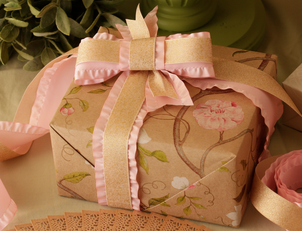 Mother's Day is right around the corner! Delicate Vines #wrappingpaper from #TheGiftWrapCompany is the quintessential design perfect for any Mom. It also doubles as a go-to Wedding and Bridal Shower staple!  (Sponsored)