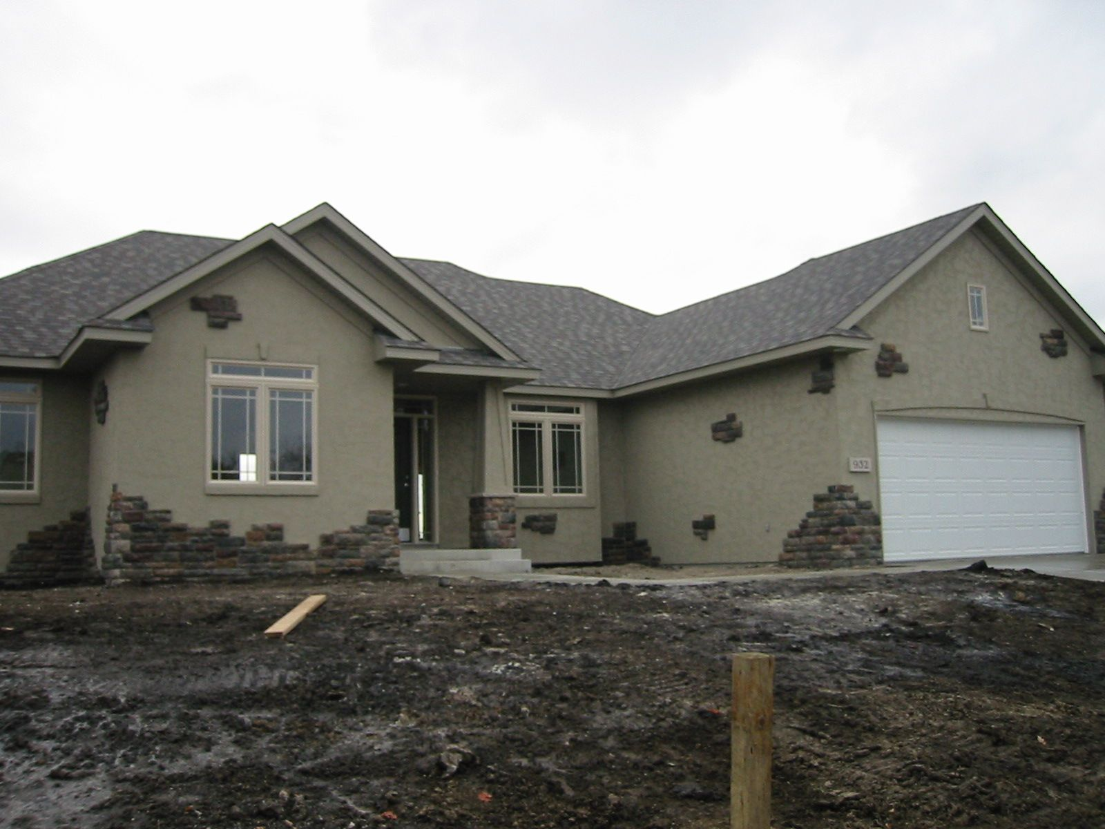 Stucco Color And Texture Selections Stucco Colors Stucco Homes House Exterior