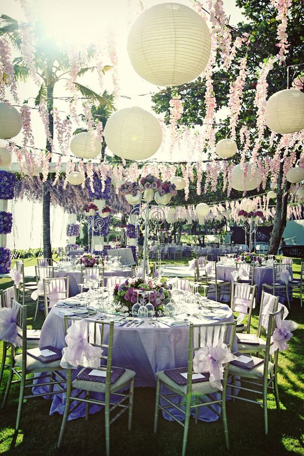 top 10 unique wedding styling ideas party hippie pinterest runde tische wei e hochzeit. Black Bedroom Furniture Sets. Home Design Ideas