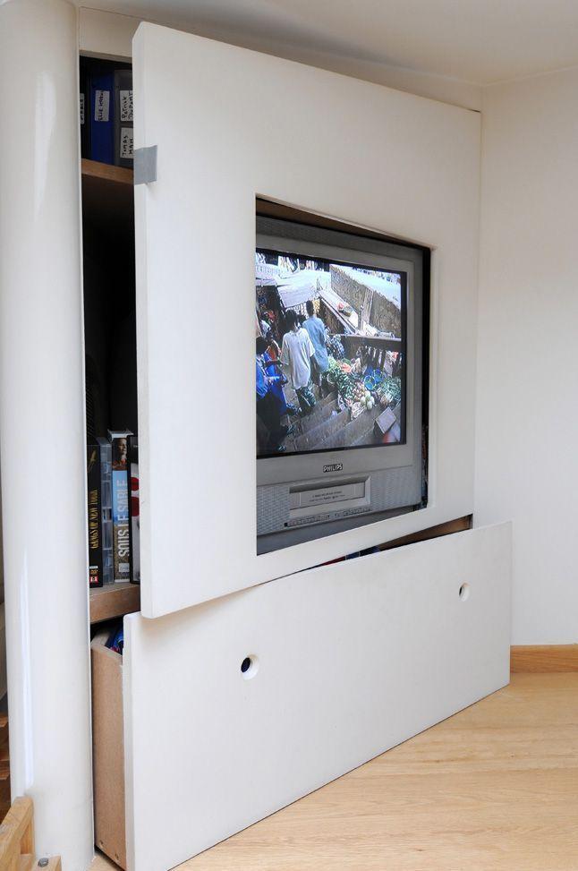 Fixation murale tv et cheminée sur le même mur en 39 idées Salons - comment fixer un meuble au mur