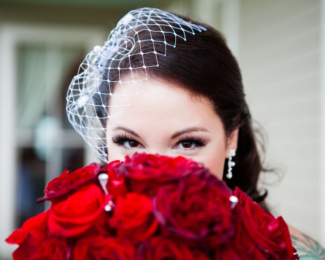 Houston Wedding Photographer | Red roses bouquet