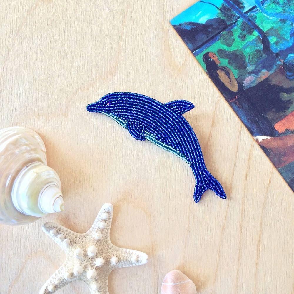 Beadwork: dolphin