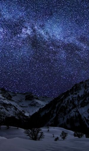 雪山と満天の星空のiphone壁紙 壁紙キングダム スマホ版 夜の星 風景の壁紙 美しい風景写真