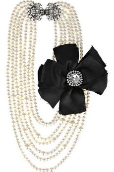 Statement Pearl Necklace