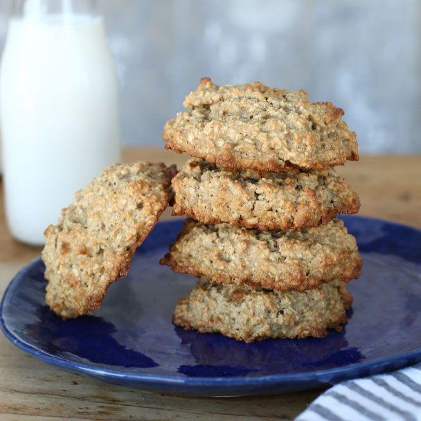 Vanishing Oatmeal Raisin Cookies Recipe Quakeroats Com Recipes