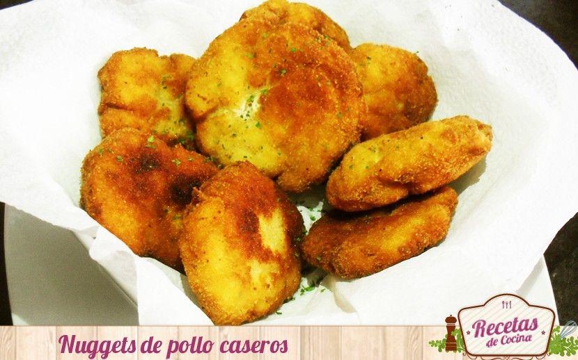 Nuggets de pollo caseros -  El pollo es un alimento muy recomendado para los pequeños de la casa ya que es una carne blanca y tierna para ellos. Además, por su gran versatilidad podemos realizar un sinfin de recetas con este alimento, pero los nuggets son los preferidos por todos. Esta receta de filetes rusos o nuggets de ... - http://www.lasrecetascocina.com/2014/07/11/nuggets-de-pollo-caseros/