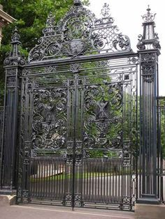 Big Gates Ornate Iron Google Search With Images Iron Garden