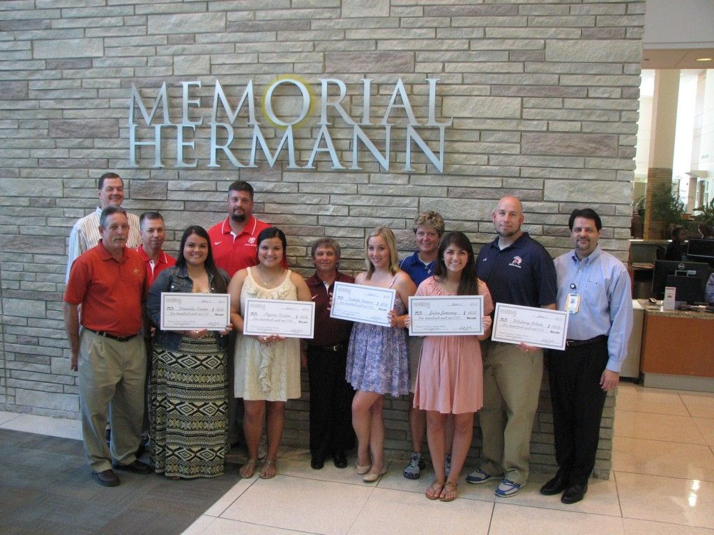 Memorial Herman Gives Scholarships to Katy ISD Athletic