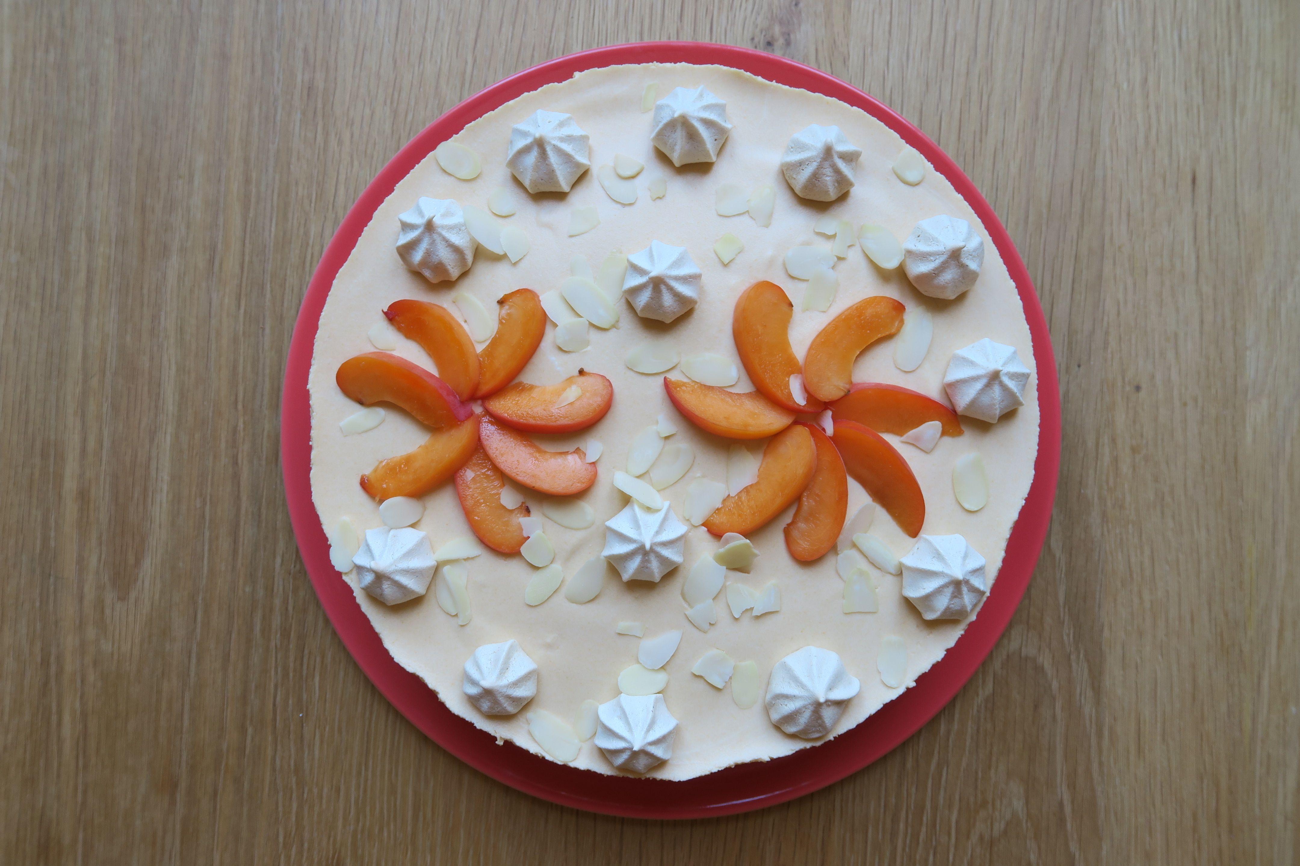 Pinky Cake, Entremets Abricot, Amande et Meringue  #entremets #abricots #amande #meringue #meringuefrançaise #entremetsabricots #dacquoise #pinkycake