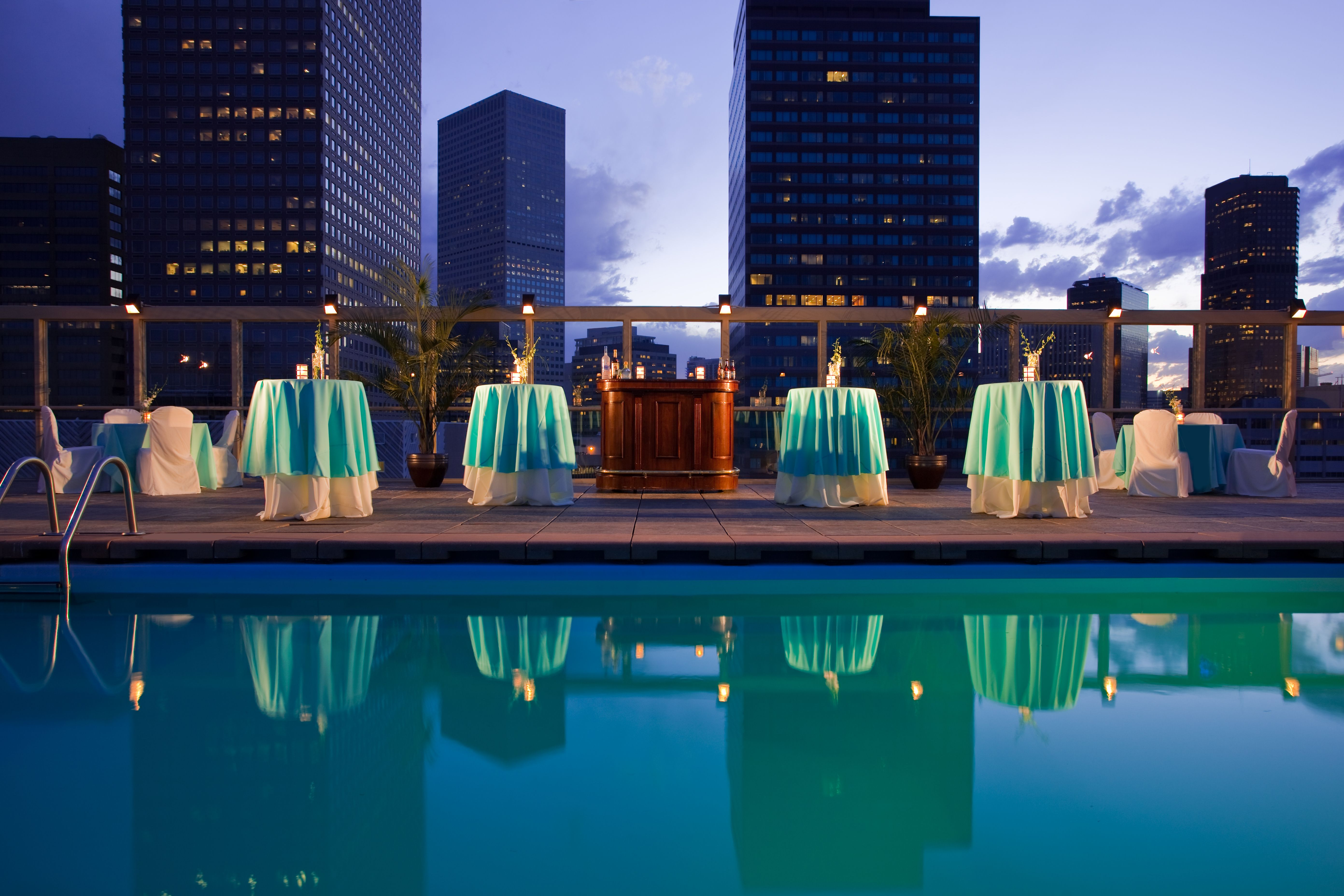 Warwick Denver Usa The Incomparable Warmth Comfort And Casual Elegance Of This Special Hotel In Heart Downtown