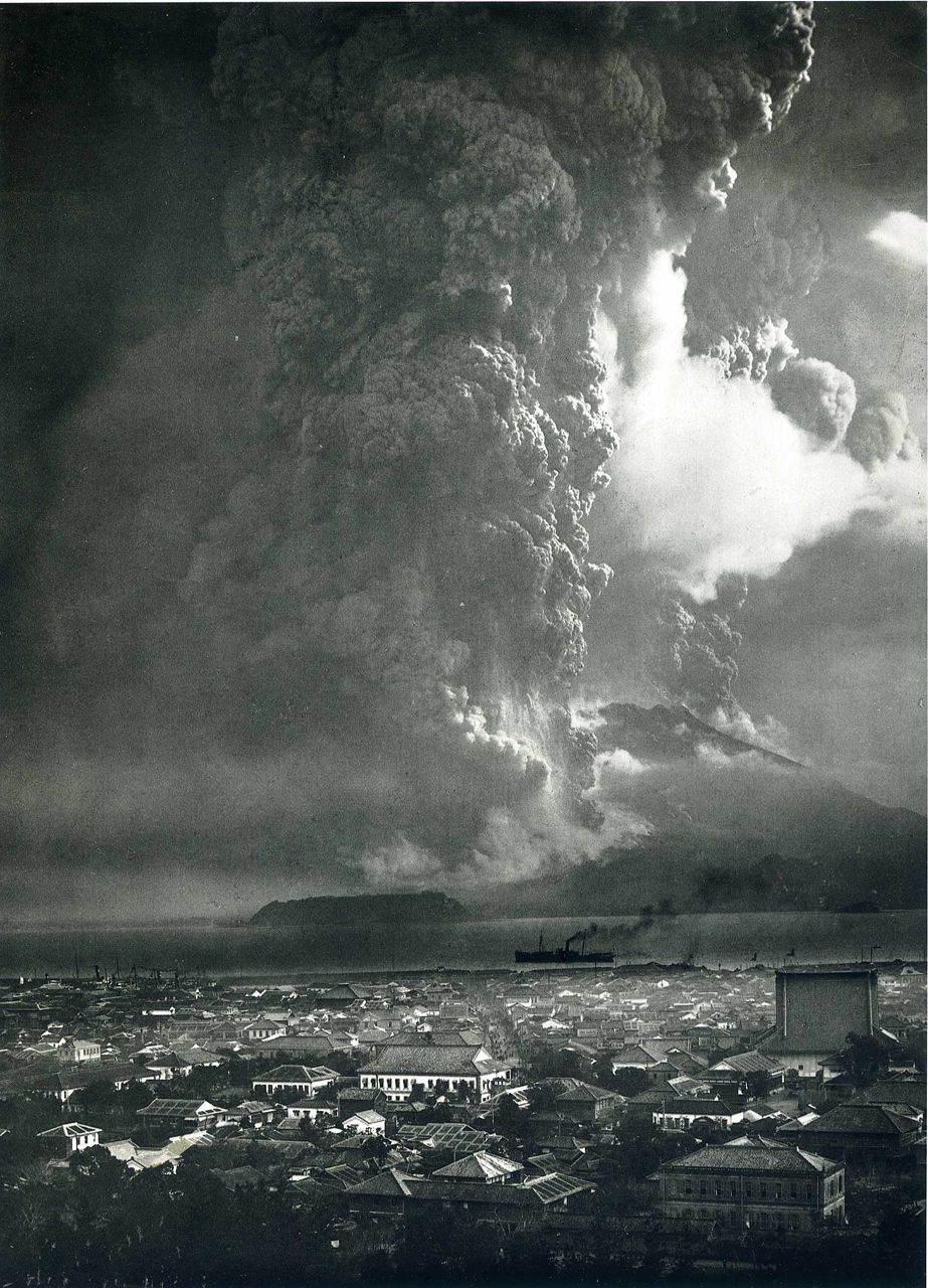 "Sakurajima | 桜島  ""Eruption as Seen from Kagoshima,"" 1914"