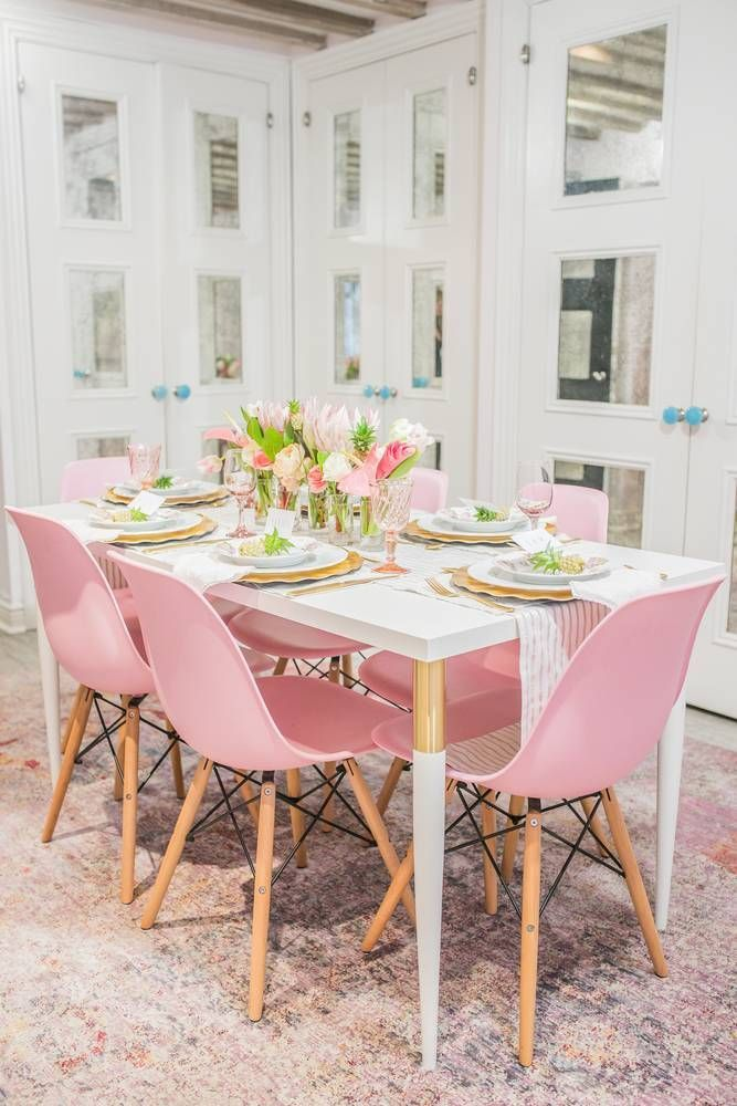 Tour Crowns By Christy S Pink Floral Nyc Office Space Domino Pink Dining Rooms Pink Home Decor Dining Room Decor