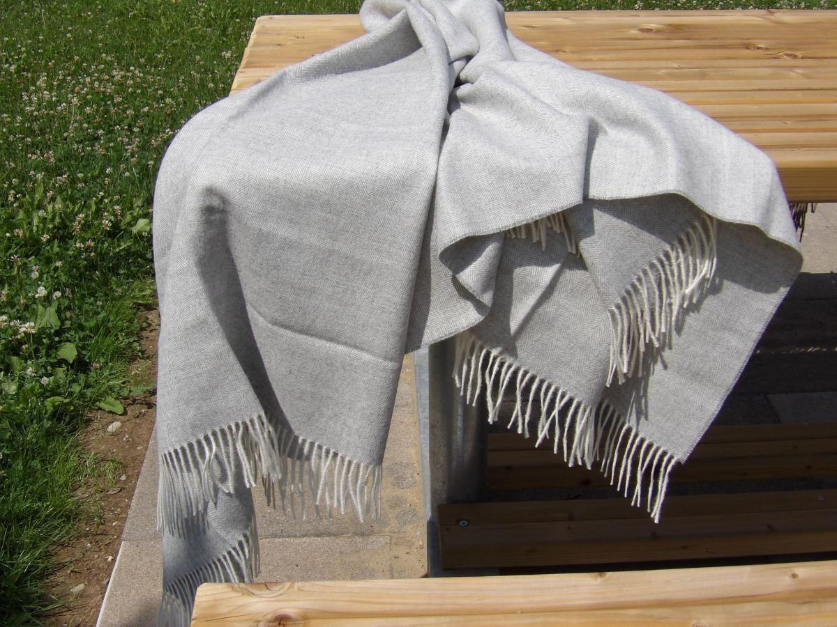 Decke Alpaka Fischgrat Wohndeko Dekoration Wolldecke Wolle Geschenk Frau Freundin In 2020 Alpaka Decke Alpaka Wolldecke