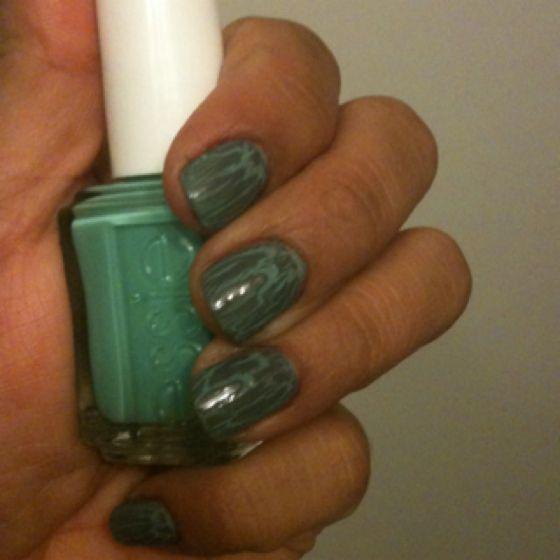 My crackeled nails