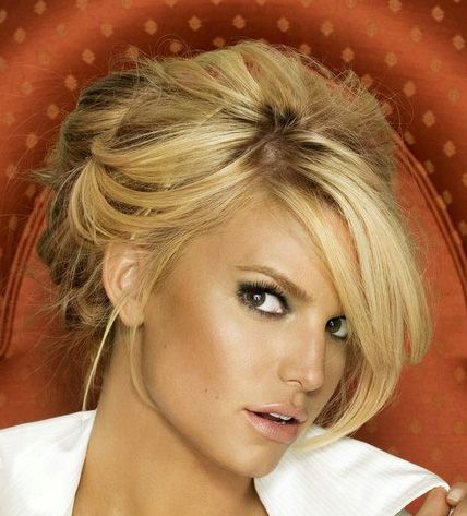 Pin By Corinne Andersson On Looks Hair Updo Jessica Simpson Hair Hair Styles Jessica Simpson Makeup