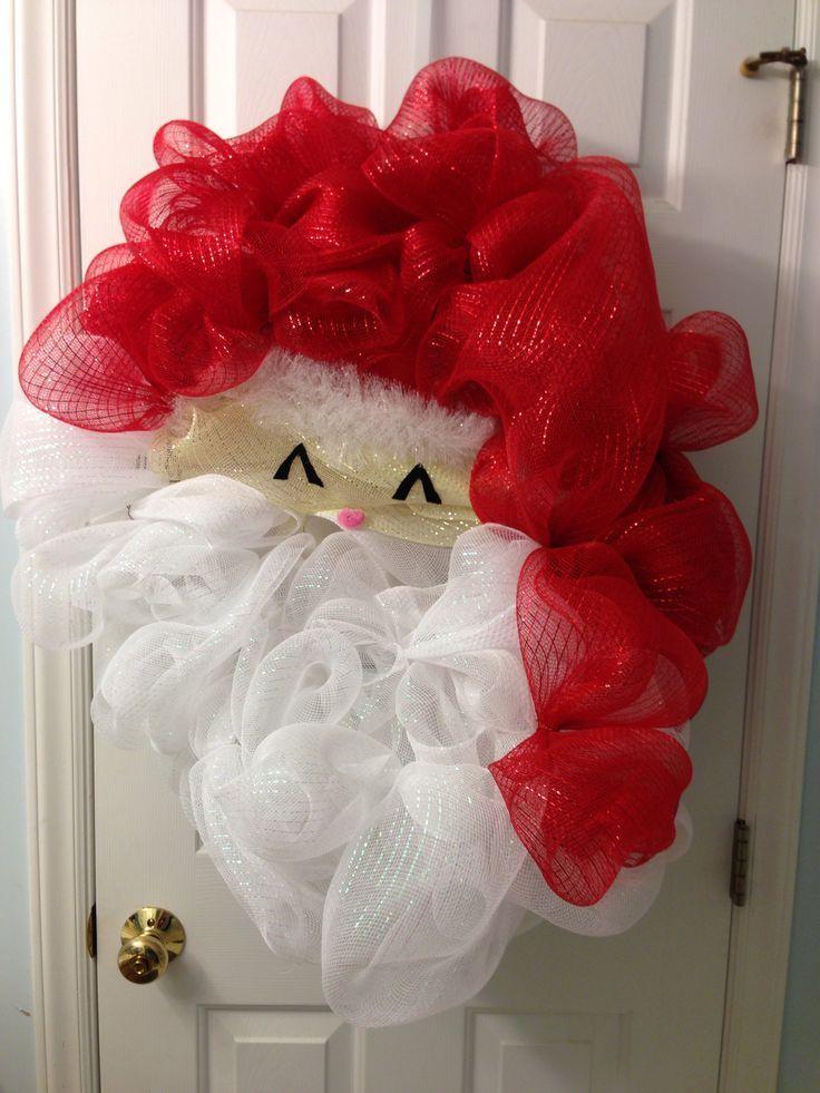 Santa Mesh Wreath, sooooo cute!! Christmas wreaths